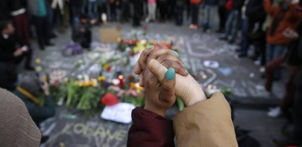 Moradores de Bruxelas usam hashtags para encontrar abrigo após ataques - Kenzo Tribouillard/ AFP