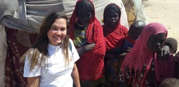 """Em missão pelo Médicos Sem Fronteiras, Karina Teixeira enfrentou desafios no Chade, país africano mergulhado em um """"conflito esquecido pelo mundo"""""""
