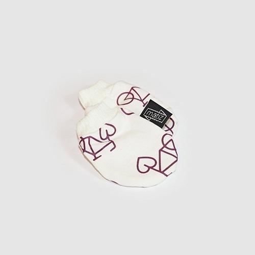 A empresa Matiz faz peças com algodão orgânico e sem definição de gênero (rosa ou azul) para bebês. Na foto, Luva Mobicidade em algodão orgânico R$ 19,90