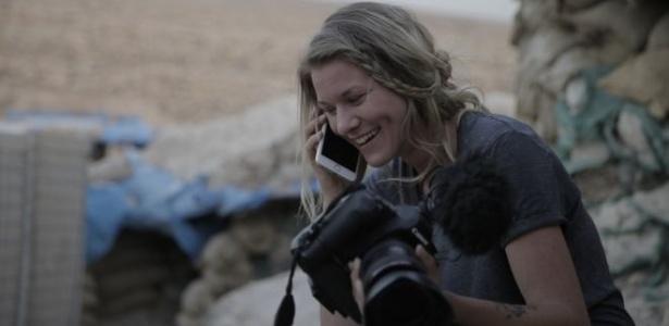 A fotógrafa Jana Andert está há quase seis meses acompanhando os combates contra o Estado Islâmico na região de Mossul