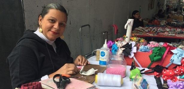Acumulando o trabalho doméstico e o artesanato, Agnes Milan diz não entender porque terá que se aposentar da mesma forma que um homem - BBC