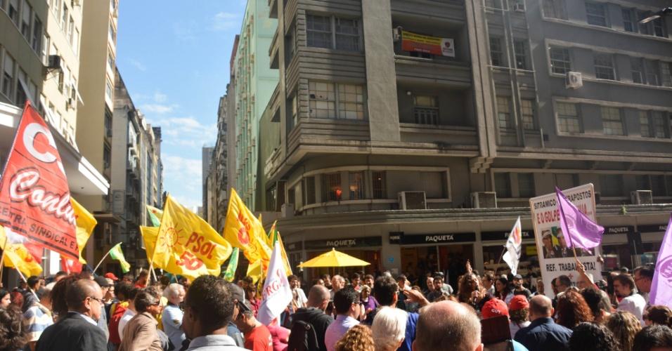 Protesto contra Michel Temer em Porto Alegre