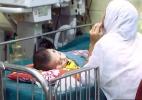Como frascos de xampu, água e tubos de plástico podem salvar milhares de bebês no mundo (Foto: BBC)