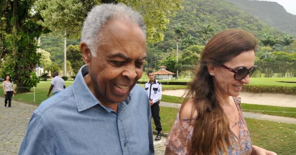 28.out.2018 - O cantor Gilberto Gil vota no segundo turno das Eleições 2018, no Gávea Golf and Country Club, em São Conrado, no Rio de Janeiro (RJ)