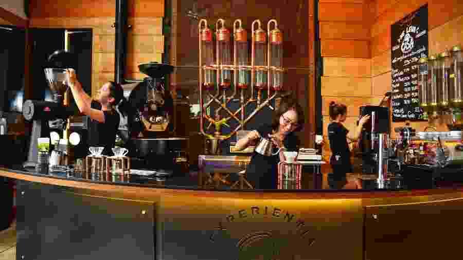 No Roast Experience, do Santo Grão, o consumidor participa ativamente das etapas de preparo do café - Divulgação