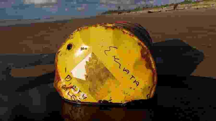 Barril encontrado em praia de Barra dos Coqueiros (SE) com óleo derramado está sendo investigado por autoridades - Adema