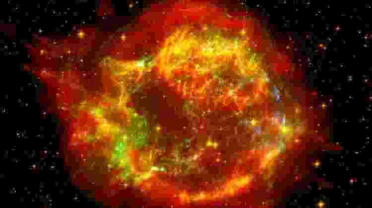 Uma supernova, como esta que ocorreu na constelação de Cassiopeia, é uma explosão poderosa, mas os astrônomos dizem que a Betelgeuse não ofereceria riscos à vida na Terra - Getty Images - Getty Images