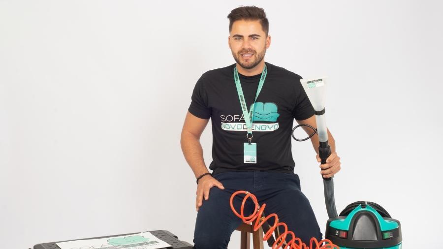 Empresário Eduardo Tafa é dono da Sofá Novo de Novo, com sede em Curitiba - Jaime Costa/Divulgação