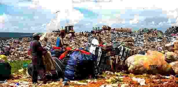 Consumismo dos últimos 50 anos levou os recursos naturais ao limíte - Paula Fróes/BBC