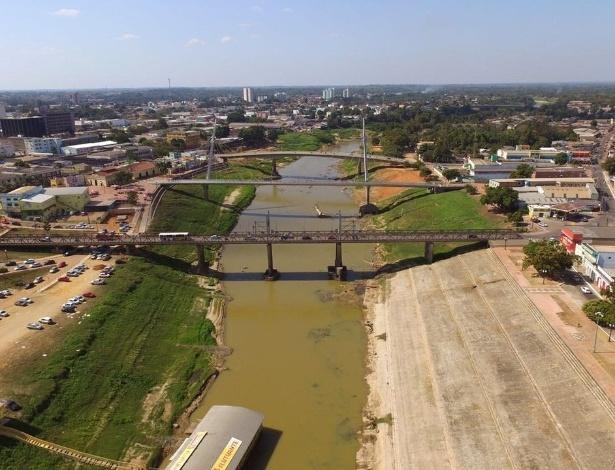 Nesta quinta-feira (4), o rio Acre atingiu 1,41 metros, o menor nível desde 1970