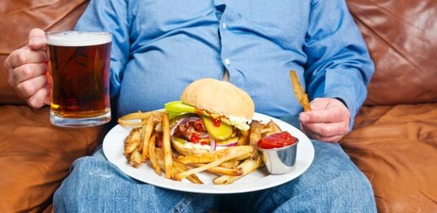 As células neurais responsáveis por ativar a sensação de fome no corpo humano também são estimuladas pelo álcool