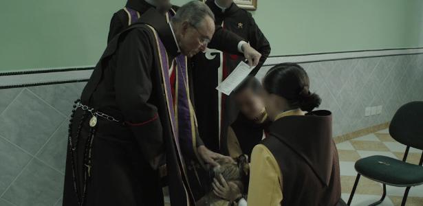 Monsenhor João Scognamiglio Clá Dias, ex-líder dos Arautos do Evangelho, realiza ritual