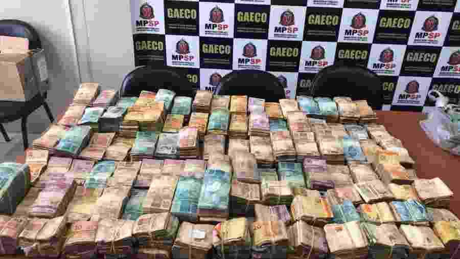 Ministério Público realizou operação hoje contra vários integrnates do PCC; investigadores apontam apreensão de R$ 1 milhão em dinheiro vivo - Divulgação/MP-SP