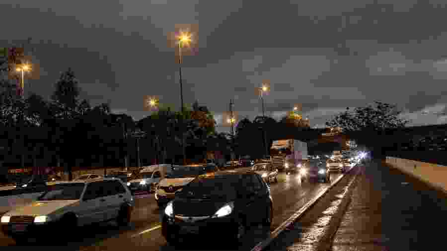 Céu de São Paulo ficou escura nas primeiras horas da tarde de 19 de agosto de 2019 - Bruno Santos/ Folhapress