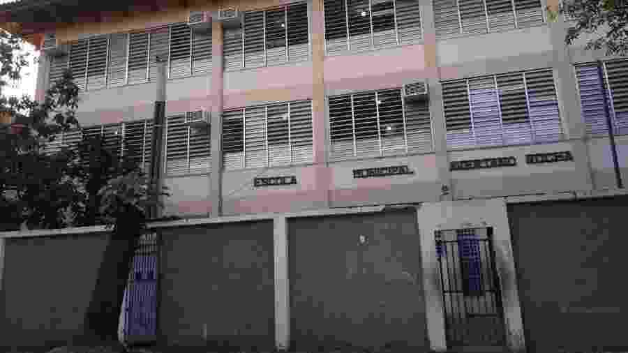 A Escola Municipal Avertano Rocha, na Cidade de Deus (zona oeste do Rio), é uma das mais de 1,5 mil unidades fechadas - Reprodução