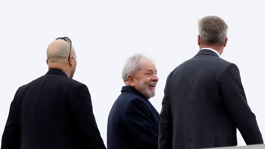 2.mar.19: Lula, pouco antes de embarcar em helicóptero em Curitiba, após deixar a prisão para ir ao velório do neto - Rodolfo Buhrer/Reuters