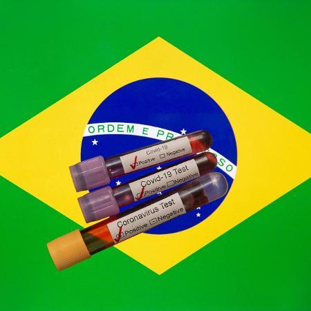 Em número total de mortes por causa da covid-19, o Brasil perde apenas para os Estados Unidos - Mehmet Emin Menguarslan / Anadolu Agency