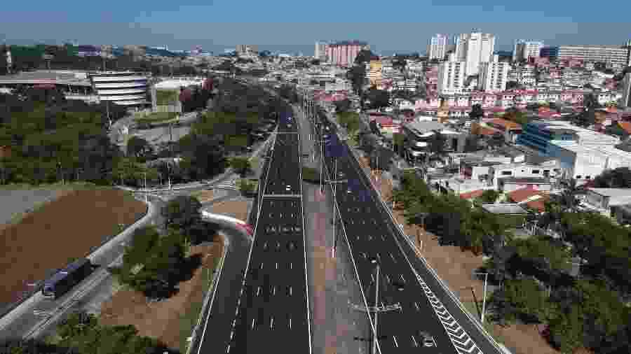 Movimento de veículos na Rodovia dos Imigrantes, que dá acesso ao litoral de São Paulo, em julho - Mister Shadow/Estadão Conteúdo