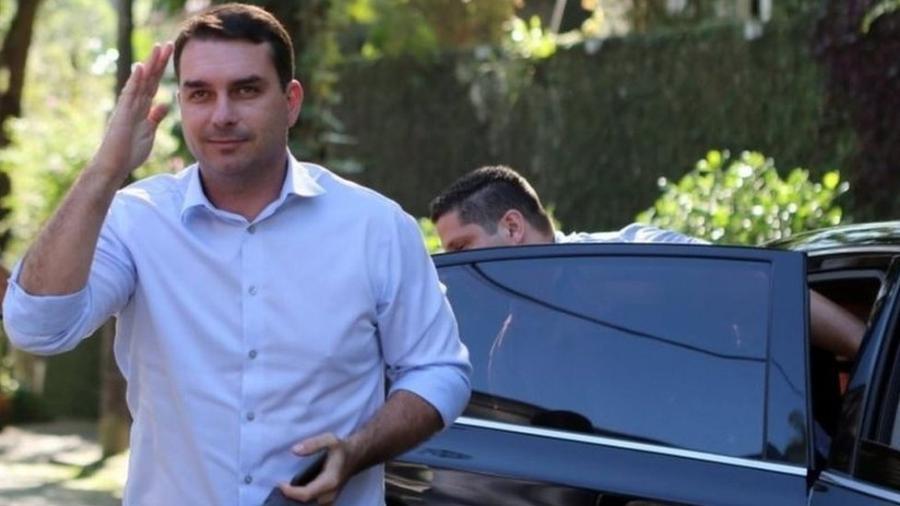 Mansão comprada por senador Flávio Bolsonaro tem valor três vezes maior do que o patrimônio declarado por ele em eleição de 2018 - Sergio Moraes/Reuters