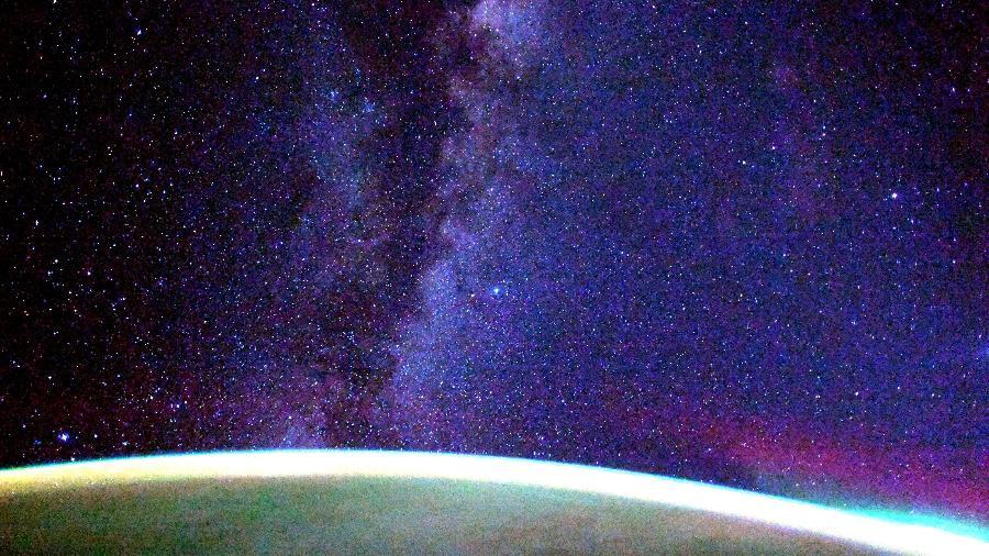 Foto da Via Láctea tirada pelo astronauta japonês Soichi Noguchi na ISS - Reprodução/Twitter @Astro_Soichi