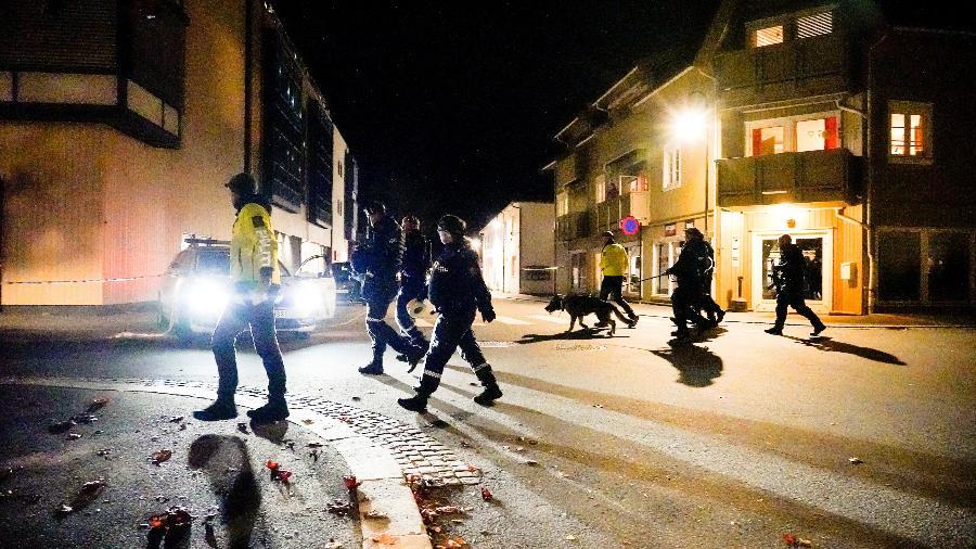 13.out.2021 - Ataque com arco e flechas deixou cinco mortos na Noruega - Hakon Mosvold/NTB/via REUTERS