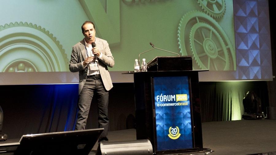 Ricardo Nunes, fundador do Ricardo Eletro, durante palestra no Fórum E-commerce Brasil 2015 - Divulgação