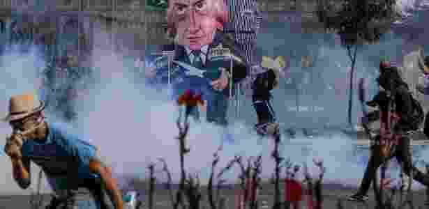 24.mai.2017 - Manifestantes entram em confronto com a Policia durante protesto contra o presidente Michel Temer, nas ruas da Esplanada dos Ministérios, em Brasilia - Eduardo Anizelli/Folhapress