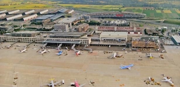Aeroporto de Stuttgart, na Alemanha