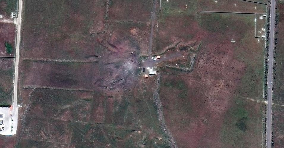 DEPOIS - Suposto 'bunker' de armas químicas Him Shinshar, localizado abaixo da superfície, também próximo a Holms, na Síria, alvo de 7 mísseis