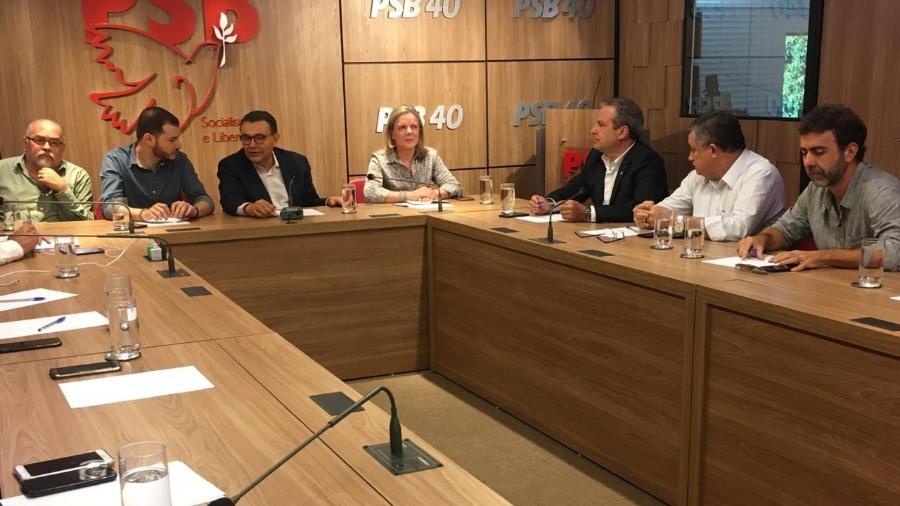 30.jan.2019 - Integrantes de Rede, PT, PSB, PCdoB e Psol participam de reunião na sede do PSB em Brasília - Guilherme Mazieiro/UOL