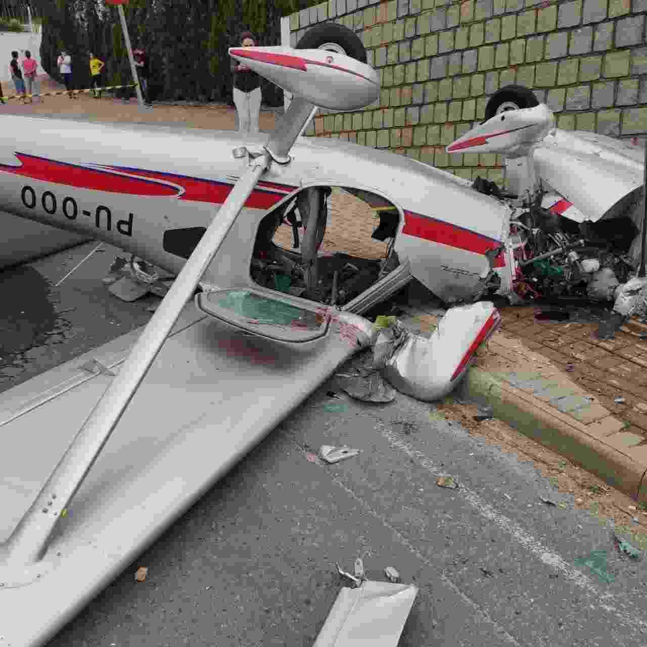 Avião monomotor caiu na cidade de Guabiruba, em Santa Catarina - Corpo de Bombeiros Militar de Santa Catarina