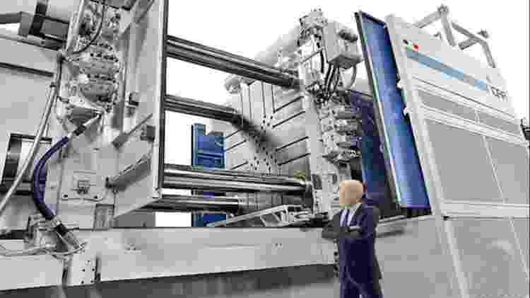 Prensa gigante para moldar alumínio usado para a produção da Tesla - Divulgação/ IDRA Group - Divulgação/ IDRA Group