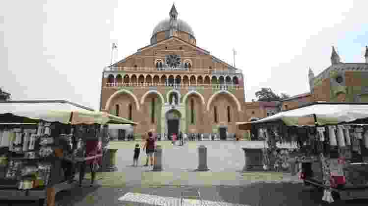 Há uma basílica para Santo Antônio em Pádua - Mariana Veiga - Mariana Veiga