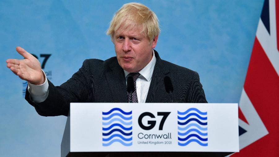Anúncio foi feito pelo primeiro-ministro do Reino Unido, Boris Johnson, que já tinha se comprometido a doar 100 milhões de doses - Ben Stansall/Pool via Reuters