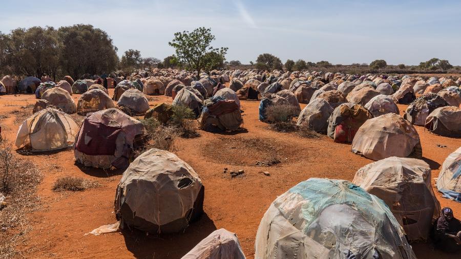 Campo de refugiados internos em Dinsor, na Somália; região foi apontada como uma zona de maior risco de colapso - Giles Clarke/Getty Images)