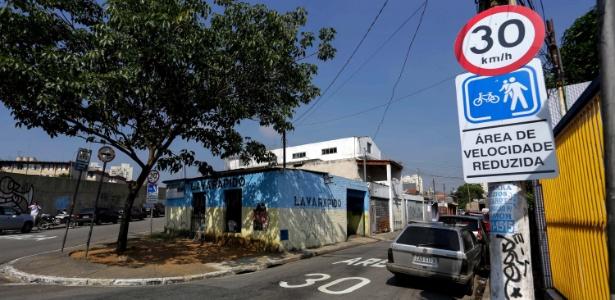 Rua da Lapa de Baixo onde foi implementado a nova velocidade: 30 km/h