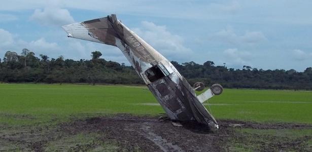 Aeronave fez pouso forçado de bico no lago Erepecu, às margens do rio Trombetas, no Pará, em 2010; piloto e tripulante tiveram apenas ferimentos leves