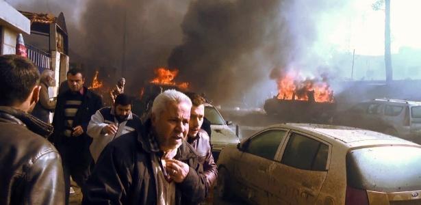 Um carro-bomba explodiu na cidade de Azaz, no norte da província de Aleppo (Síria)