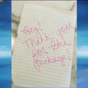 Bilhete deixado por mulher que furtou pacote nos EUA