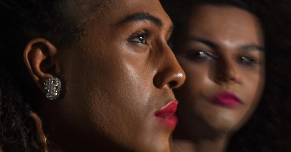 """7.set.2017 - As cantoras transgênero da banda """"As Bahias e a Cozinha Mineira"""", Raquel Virginia (esq.) e Assucena Assucena"""