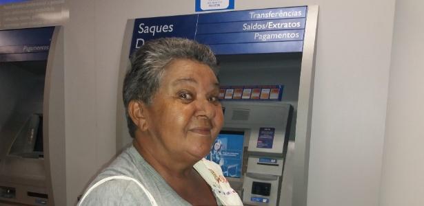 A aposentada Márcia Freire Cavalcanti, 70, foi sacar o dinheiro do PIS nesta quinta-feira