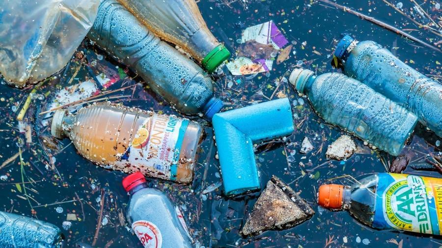 Quantidade de plástico no Atlântico é pelo menos 10 vezes maior do que o estimado anteriormente, mostra estudo do Centro de Oceanografia Nacional do Reino Unido - Getty Images