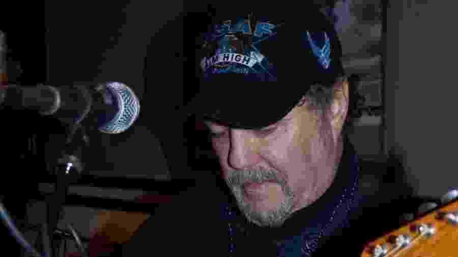 Pastor e músico Landon Spradlin, uma das primeiras vítimas do coronavírus nos EUA - Reprodução/Facebook