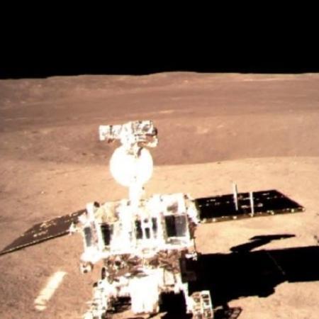 """O rover da missão chinesa Chang""""E 4 - CNS/Divulgação"""