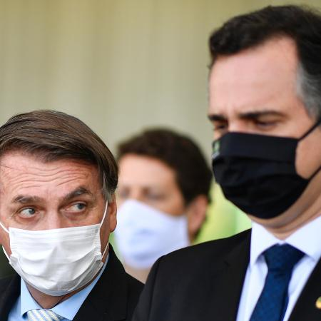 Jair Bolsonaro e Rodrigo Pacheco, presidente do Senado - Mateus Bonomi/Agif - Agência de Fotografia/Estadão Conteúdo