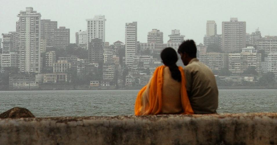 Marine Drive, avenida de Mumbai (Índia) próxima ao mar
