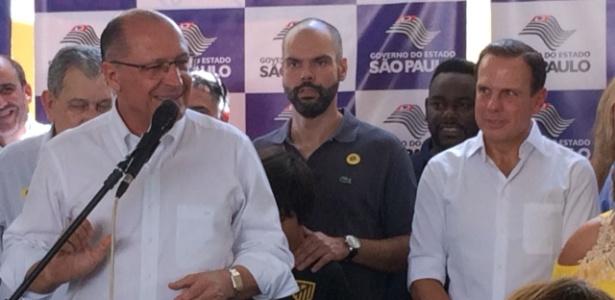 18.mar.2018 - Alckmin (e), Covas (c) e Doria juntos durante evento em São Paulo