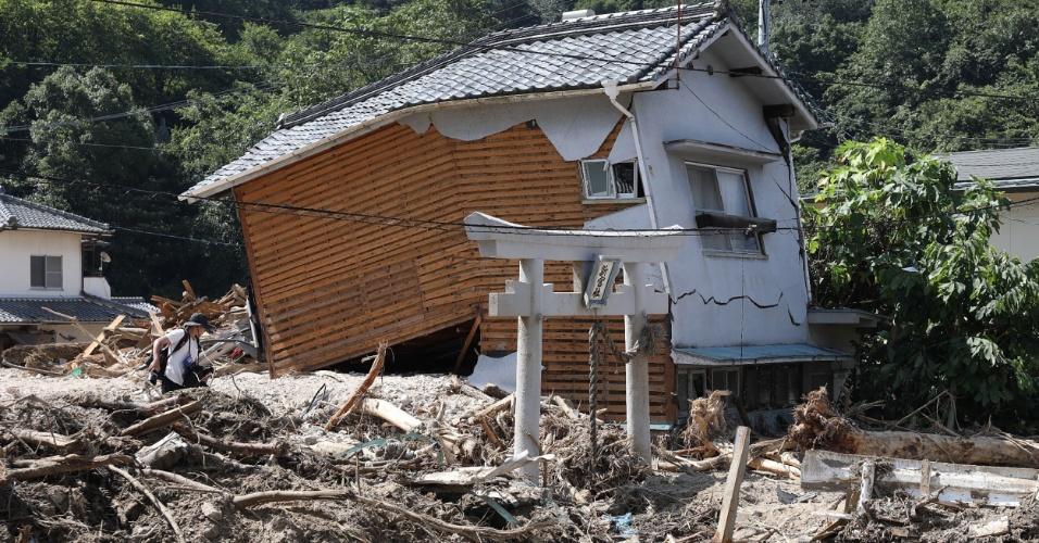 13.jul.2018 - Casa danificada na região de Sakacho, em Hiroshima, após fortes chuvas que inundaram parte do pais
