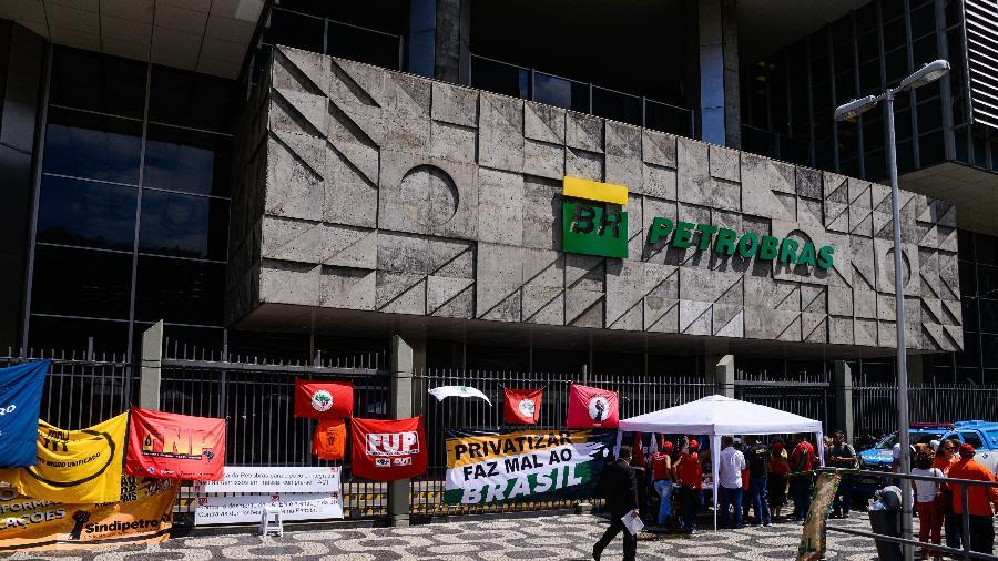 03.fev.2020 - Manifestação da Federação Única dos Petroleiros (FUP) em frente à sede da Petrobras, no Rio de Janeiro - Alex Ferro/Divulgação