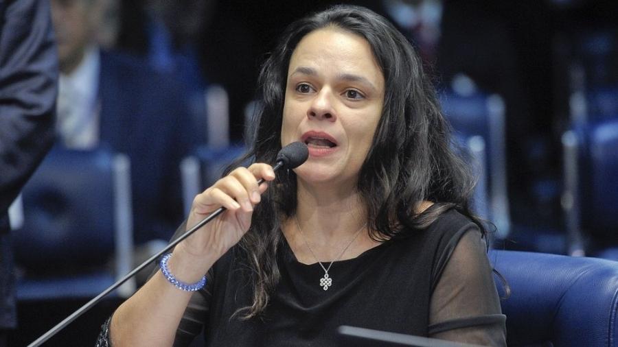 Janaina Paschoal no julgamento do impeachment de Dilma Rousseff em 2016; críticas ao superpedido de impeachment apresentado contra Bolsonaro - Pedro França/Agência Senado